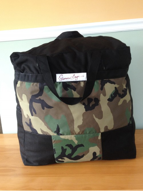 Camouflage - Standard Travel Bag